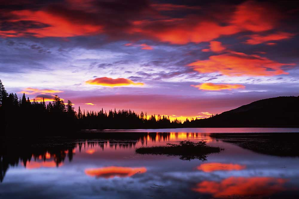 Sunrise on Reflection Lake, Mt. Rainier National Park, Washington # 1823-h