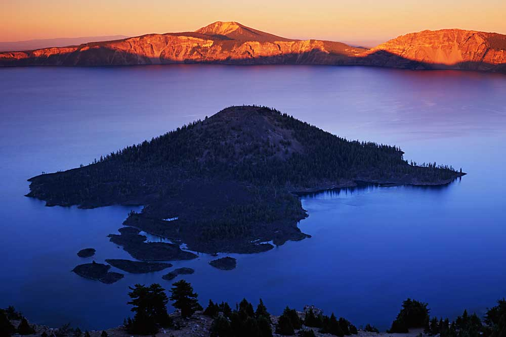 Wizard Island at dusk, Crater Lake National Park, Oregon # 5685h