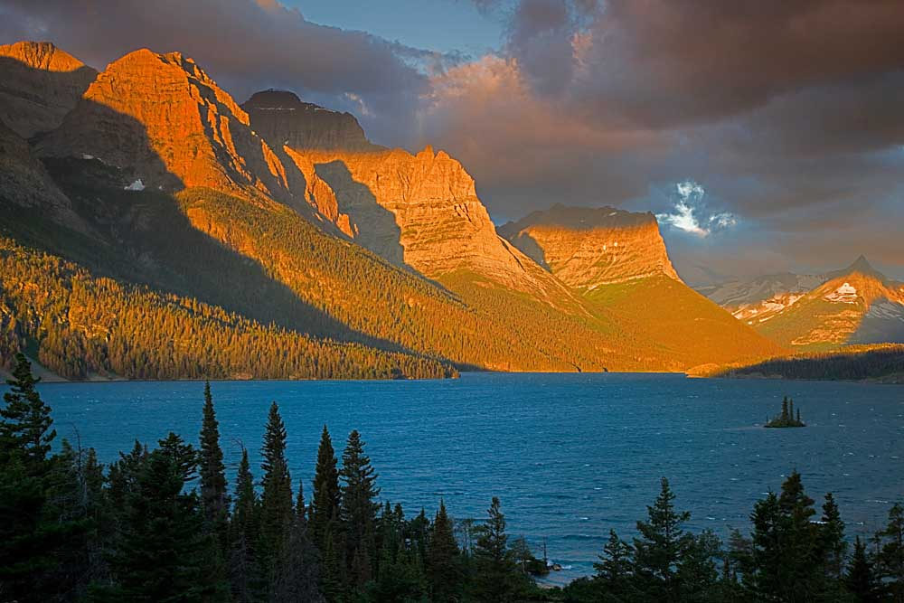 Wild Goose Island overlook, Sunrise, St Mary Lake, Glacier National Park, Montana # 8517